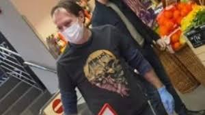 Florin Cîțu, poză virala cu un tricou Metallica. Peste 1.500 de rockeri i-au dat like