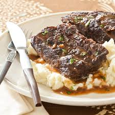 slow cooker red wine braised short ribs