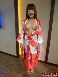 Asian Babe In a Red Kimono AsianSex.Pics