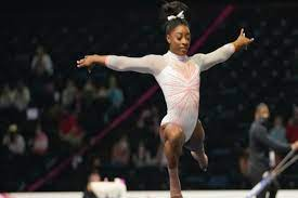 Simone Biles returns to competition ...