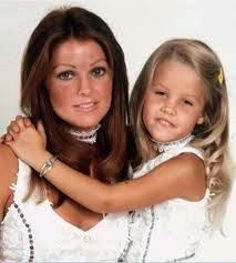 Priscilla and Little Lisa - Priscilla Presley e Lisa Marie Presley foto  (24631796) - fanpop