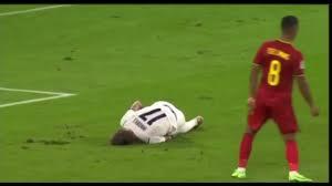 Immobile simula un infortunio ma poi scopre che l'Italia ha segnato -  YouTube