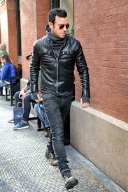 justin theroux wearing black leather er jacket charcoal hoo charcoal skinny jeans charcoal leather casual boots men s fashion lookastic com