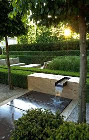 Wasserkaskaden Garten Modern Sandstein Travertin Buchsbaum Rasen