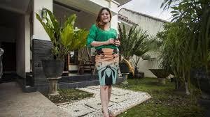 """Résultat de recherche d'images pour """"femme a la maison"""""""