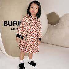 <b>Burberry</b> Spring/<b>Summer</b> 2020 | <b>Burberry</b>