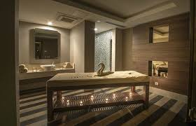 queen s spa massage room picture of