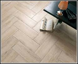 Perfect Ceramic Tile Flooring Looks Like Wood Planks With Laminate Flooring  That Looks Like Wood.