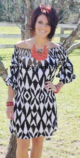 giddy up glamour gug 29 95 aztec affair black and white print dress