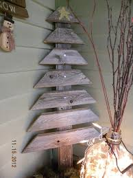 outdoor pallet christmas tree. wood pallet christmas tree - love this \u0026 would be cute with tiny little nails hammered outdoor e