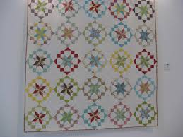 Julia Hedge's Laces: The Birmingham Quilt Festival 2015. . . & At first glance it might just seem like a very beautiful but nothing out of  the ordinary type of quilt. But take a closer look. Adamdwight.com