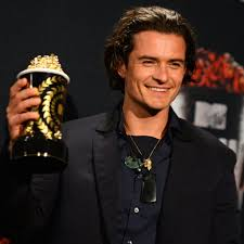 orlando bloom 8322537 original lightbox.jpg v 11365695
