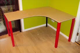 Elbow Shaped Corner Desk