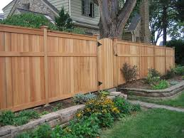 Backyard Fence Designs Modest Backyard Fence 40 Oceni Custom Backyard Fence Designs