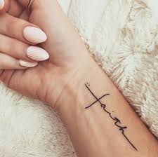 At Eausosexy Tattoos Tatuajes En La Muñeca Tatuajes
