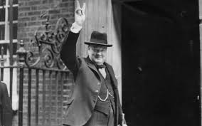 why are we asking which way churchill would have voted in the eu  winston churchill raises a victory sign