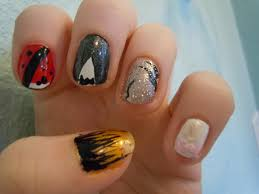 Decent Each Hand Has Different Nail Designs So I Can Create More ...