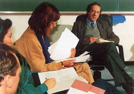 essay topic to write urdu