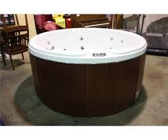 exellent tubs 78 round cal spas coleman series hot tub with snow white interior and mahogany cabinet loading zoom throughout round hot tubs