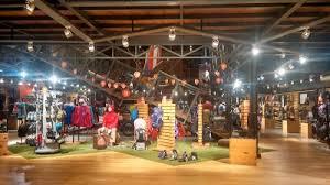 Toko ini tergolong sebagai eiger flagship store yang dilengkapi dengan keberadaan kedai kopi eiger flagship store memang kami desain tak hanya sebagai toko atau tempat transaksi jual beli. Eiger Flagship Store Bali Bali 62 361 9346026