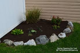 Front Yard Landscaping: Spring Clean Up!