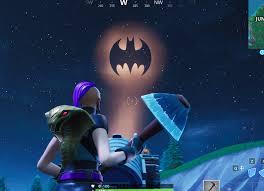 Light Up Bat Signal Fortnite Fortnite Light Up Different Bat Signals Outside Of Gotham