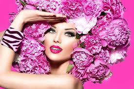 Пополняем <b>косметичку</b>: что выбрать из коллекций макияжа весны