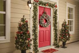 christmas front door decorations10 Best Outdoor Holiday Decorating Ideas