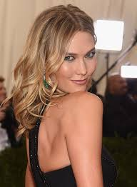 karlie kloss s first makeup tutorial video shows how to perfectly recreate her 2016 met gala beauty