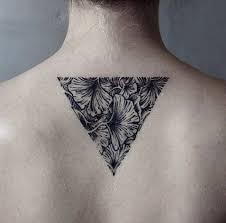 100 идей тату треугольник значение эскизы лучшие примеры на фото