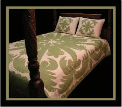 Hawaiian Quilts by Gr8 HAWAIIAN GIFT COMPANY & This is a very fun Quilt! A Hapa Haole design, this contemporary quilt  showcases two of the most recognizable symbols of Hawai'i, the Coconut Tree  and the ... Adamdwight.com