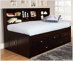 Image of: Roll Out Trundle Bed Frame