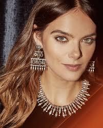 emmylou statement earrings in gold