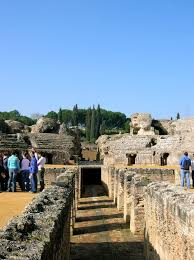 a mini photo essay of italica r ruins the red headed traveler save