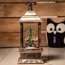 Dekoratif El Feneri Görünümlü Noel Ağacı Süsleyen Baba Oğul Temalı Kar  Küresi