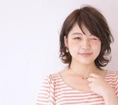 丸顔こそ似合うおすすめのショートカットは Hachibachi