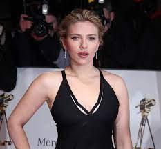 File:Goldene Kamera 2012 - Scarlett ...