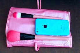 below parison of the handle to my iphone 5c