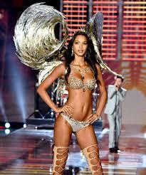 Lais Ribeiro Stretch Marks Victorias Secret Angel