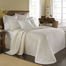 Best 25+ Ivory bedding ideas on Pinterest | Ivory bedroom ... & Historic Charleston King Charles Matelasse (Ivory) Bedding by Historic  Charleston Bedding, Comforters, Adamdwight.com