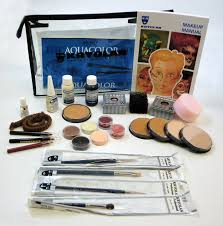 this kryolan theatrical makeup kit includes aquacolor makeup