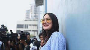 The official page of luna maya just a page for all of us to get more information about me. Rumah Luna Maya Dijual Rp45 Miliar Fin