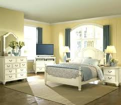 Distressed White Bed Distressed Bedroom Sets White Distressed ...