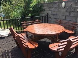8 seater round picnic bench with backs