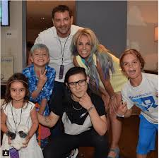 Spears founded the britney spears foundation, a charitable entity set up to help children in need. These Instagram Photos Of Britney Spears With Her Sons Show What She S Really Like As A Mom