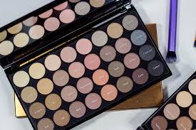 powiek flawless matte paleta 32 cieni do oczu cena opinie recenzja kwc makeup revolution flawless beyond