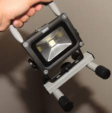 10 Watt Rechargeable Led Work Light Loftek 10 Watts Rechargeable Led Floodlight Review The