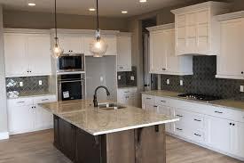 kitchen cabinets installs
