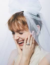 幸せな花嫁のチョイスは私らしいステートメントリング ウェディング