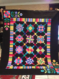 AMISH WITH A TWIST QUILT | The Quilting Queen Online & AMISH WITH A TWIST QUILT Adamdwight.com